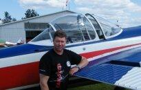 Pilotas papasakojo, kokie pavojai tyko esant žiūrovams