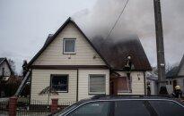 В Паневежисе погиб мужчина, спасавший внука из горевшего дома