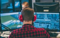 Statybos Minecraft: tunelis, SpaceX biuras, oro uostas