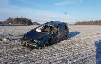 В Мажейкяйском районе перевернулся автомобиль, погиб водитель