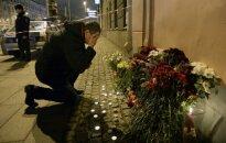 Žmonės gedi teroro akto Sankt Peterburge aukų