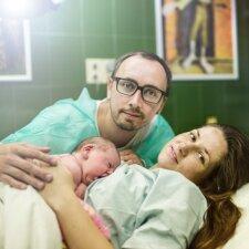 """<span style=""""color: #ff0000;"""">Kristinos išpažintis:</span> 20 valandų gimdykloje ir neįkainojama vyro pagalba"""