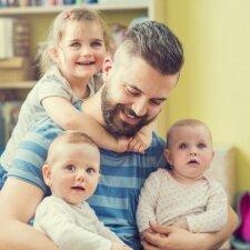 4 tėvų sakomos frazės, kurių vaikui reikia kaip oro