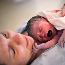 Indrės gimdymą košmaru pavertė besiplūstanti nemaloni medikė