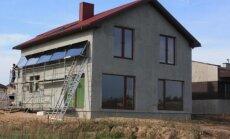 Namas šildomas saulės energija ir granuliniu katilu / UAB Hydropool nuotr.