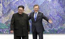 Istorinė akimirka: susitiko Šiaurės ir Pietų Korėjos lyderiai