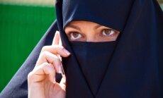 Musulmonė kalba mobiliuoju telefonu