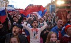 Maskvos centre sirgaliai po Rusijos pergalės prieš Egiptą surengė šventę