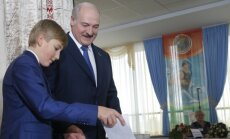 A. Lukašenka su sūnumi