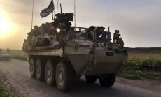 JAV kariai patruliuoja prie Sirijos-Turkijos sienos
