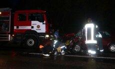 Raseinių rajone per avariją vienas žmogus žuvo, trys ligoninėje
