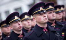 Lietuvos kariuomenės dienos proga iškilminga rikiuotė Katedros aikštėje ir paradas Gedimino prospekte