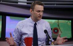 Как я заработал денег на дурачках: Навальный продал LifeNews видео со своего отпуска во Франции