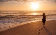 Kipro saulė, jūra ir šeimos paslapčių sūkurys