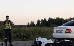 Klaipėdos rajone šiurpi avarija, motociklas sudaužytas į šipulius