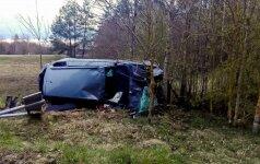 В Вильнюсском районе водитель в халате разбил машину