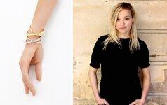 Charlotte Chesnais kuria papuošalus, kurie išsiskiria išgryninta forma ir lengvai atpažįstamu juvelyrės braižu