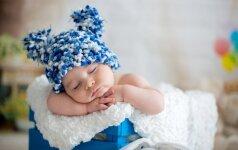 Kur geriausia miegoti kūdikiui – tėvų ar savo lovoje