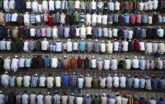 Musulmonai meldžiasi