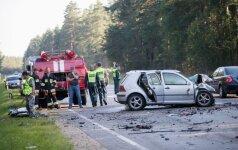 Įspėja vairuotojus: dabar keliuose – grėsmingiausias metas