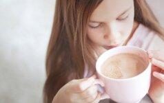 Kodėl kakavą rekomenduojama gerti rytais, o ne vakare