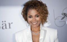 50 metų sulaukusi Janet Jackson pirmą kartą tapo mama