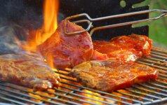 Grilio sezonas: kaip ant žarijų paruošti skaniausią kepsnį + RECEPTAS
