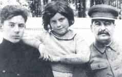 Stalino sūnus: tėvų meilės nepatyręs karštakošis neišsaugojo nė vienos iš 4 santuokų, pernelyg mėgo alkoholį ir anksti baigė gyvenimą