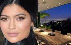 Kas slepiasi už prabangių Kim Kardashian sesutės namų durų