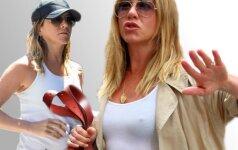 Jennifer Aniston pilvukas kelia abejonių