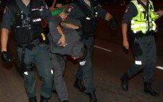 Во время гонки преследования в Вильнюсе повреждены два полицейских автомобиля