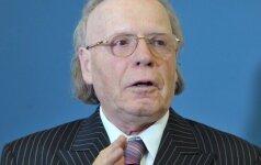 Эдвард Радзинский: мы идем вперед, но почему-то через задний проход