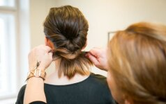 Tarptautinė plaukų meistrė: pamirškite nuobodžias bobučių šukuosenas (+6 būdai, kaip susišukuoti)