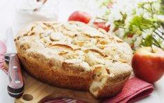 Minkštutis obuolių pyragas