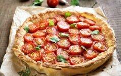 3 receptai su pomidorais: sriuba, pyragas, užkandis
