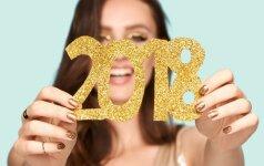 Naujametinis makiažas: šventinės idėjos akims, lūpoms ir nagams