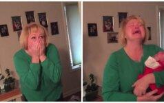 Neįtikėtina močiutės reakcija, išvydus anūkę