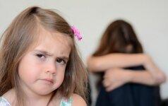 Motinystės iššūkiai: auginant vaikus labiau klausyti širdies ar proto?