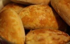 Skanieji pyragėliai su bulvėmis ir kopūstais (FOTO)