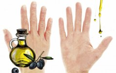 Gelbėjam suskilinėjusią ir šerpetojančią rankų odą namuose esančiais produktais