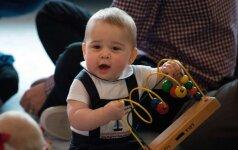 Pirmąkart karališkasis kūdikis įamžintas neoficialioje aplinkoje FOTO