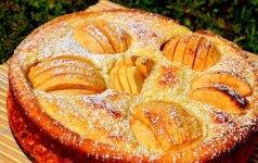 Nuostabaus skonio obuolių ir varškės pyragas
