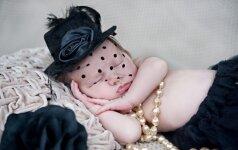 ĮSPŪDINGA: fotografė nukelia kūdikius į 20 a. pradžią FOTO