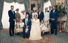 Paviešintos oficialios mažojo princo krikštynų nuotraukos turi kelias neįprastas detales
