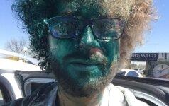 Российского блогера Варламова в аэропорту Ставрополя облили зеленкой
