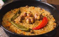 Uzbekiškas plovas su vištiena