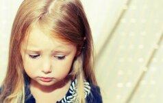 30 tėvų sakomų frazių, kurios sužeidžia vaiko sielą