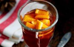 Šildantis apelsinų ir obuolių gėrimas