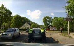 Internautus sužavėjo Ukmergės policininkų poelgis