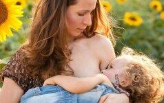 Išaiškėjo, kiek sutaupo šeima per metus maitinant kūdikį krūtimi